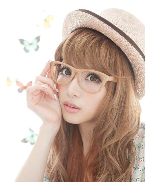 舟山久美子のメガネ画像